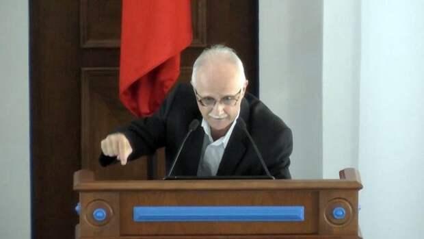 Гневная речь севастопольского депутата стала вирусной и разлетелась по сети (ВИДЕО)