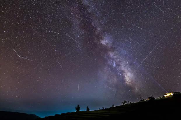 Россияне смогут увидеть пик метеорного потока Геминиды