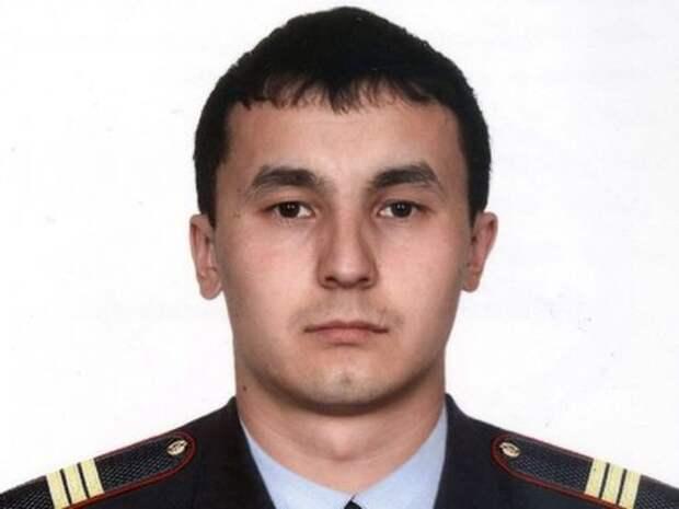 Челябинский полицейский в новогоднюю ночь спас человека на пожаре 2015, героизм, герой