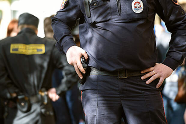 Московский полицейский спасал от призыва украинских детей.