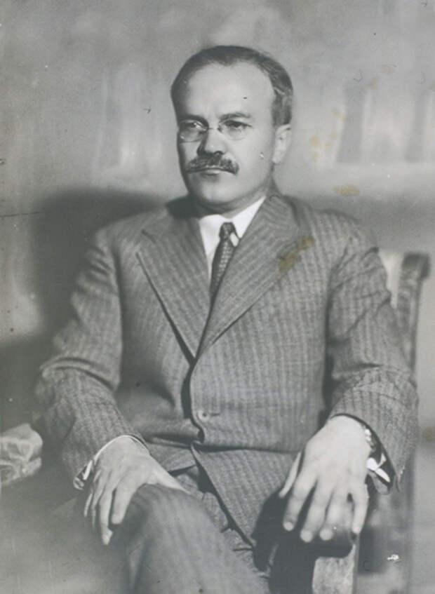 Вячеслав Михайлович Молотов, министр иностранных дел, нарком СССР Фото: cultobzor.ru