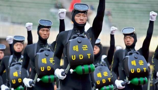 10 самых оригинальных образцов парадной военной униформы, которые можно встретить в мире