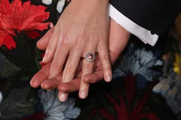 «Королевская свадьба-2»: Подробности бракосочетания принцессы Евгении
