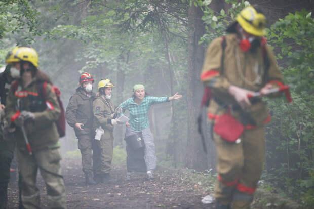 Добровольные пожарные помогли снизить ущерб от возгораний в Подмосковье