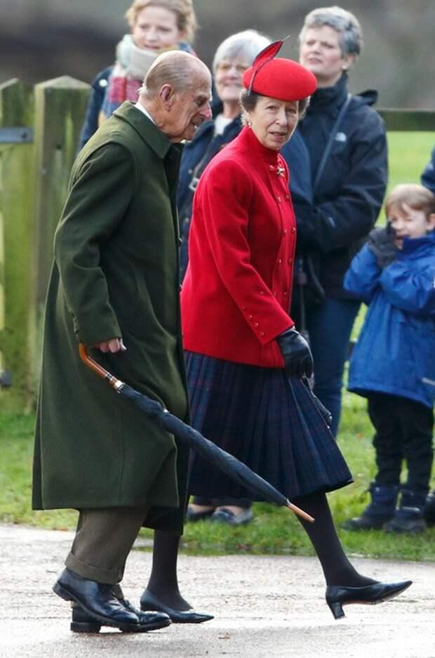Принц Чарльз и принцесса Анна выступили с речью в память о принце Филиппе