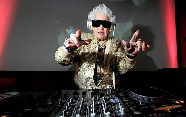 Бешеные бабки: женщины за 70, круто изменившие свою жизнь