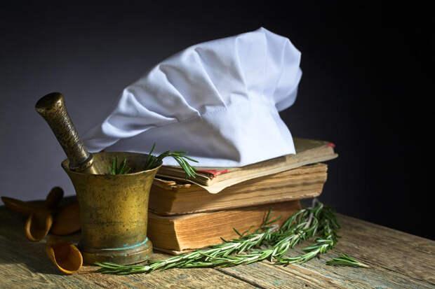 ТОП-10 классических книг, вдохновляющие кулинаров