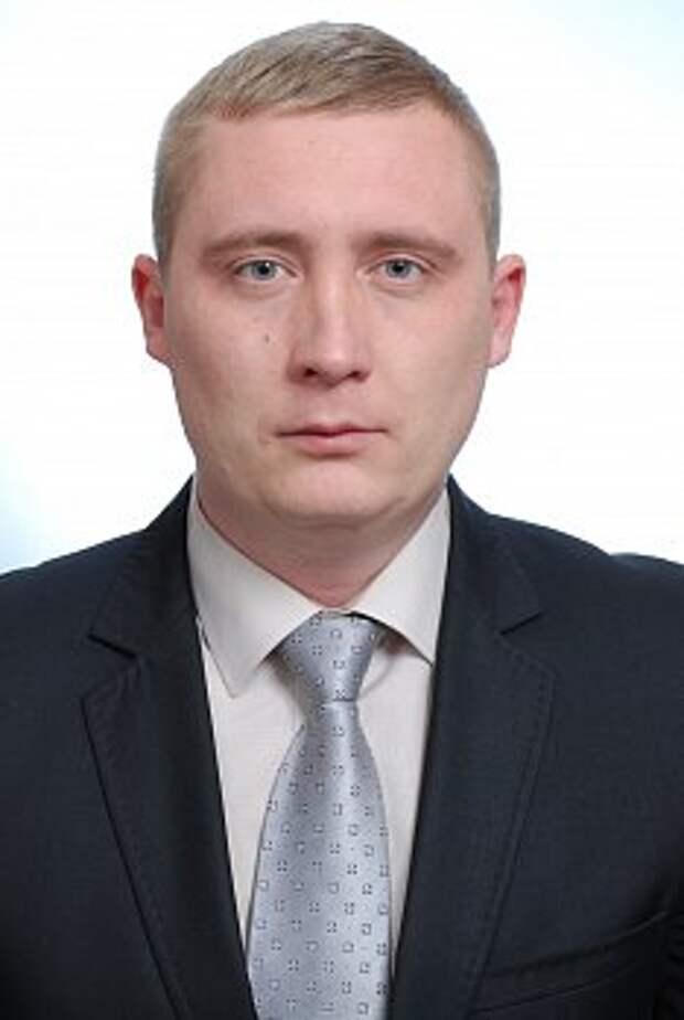 Чиновник Севастополя приехал в Верхнесадовое для решения личных задач - люди подождут?