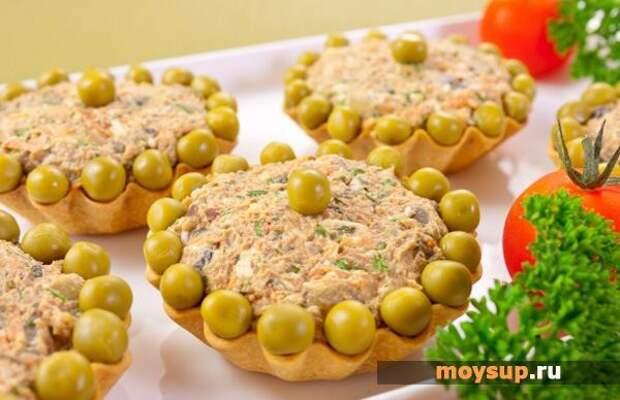 Простые и недорогие салаты с печенью и икрой минтая