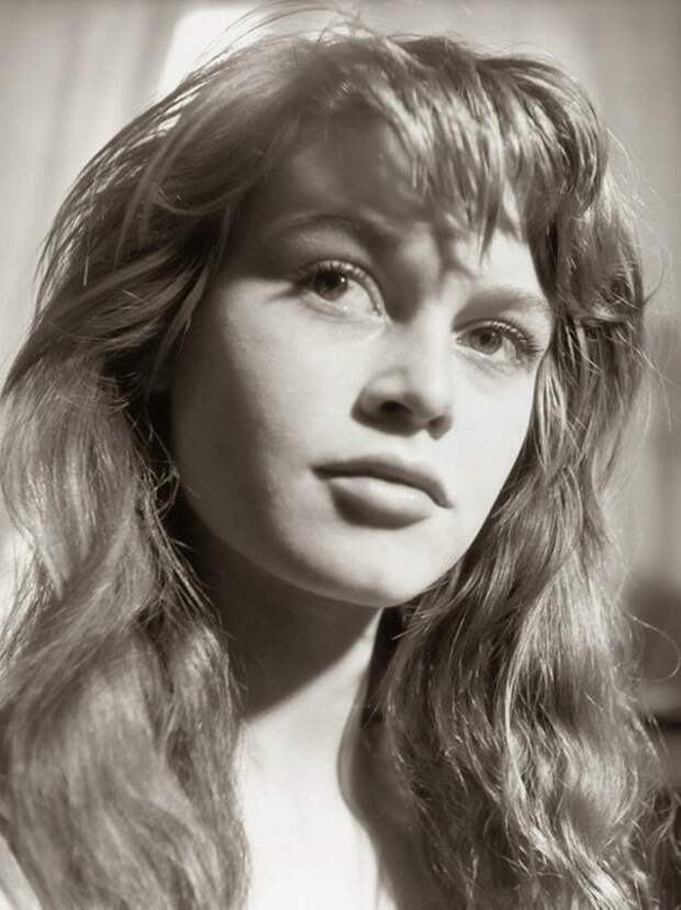 18-летняя Брижит Бардо (1952 год)