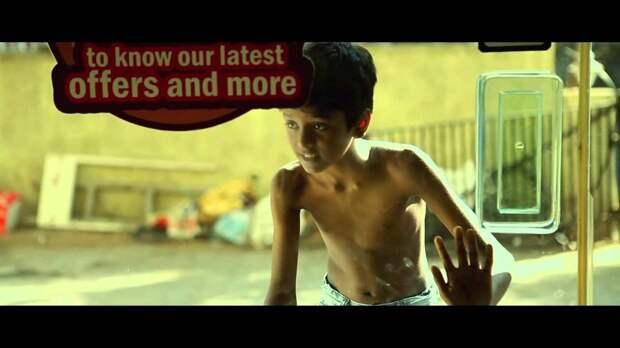 Трогательное видео о помощи слабым