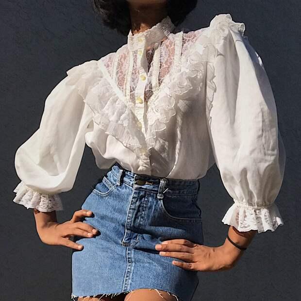 Бабушкин гардероб: вышиванка, вязаная кофта и ридикюль снова в моде