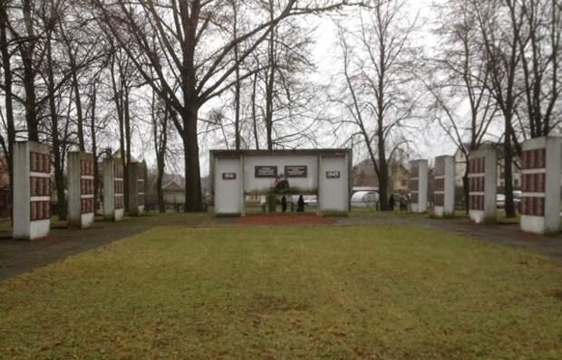 В Литве торжественно перезахоронены 75 советских воинов, павших в 1944 году