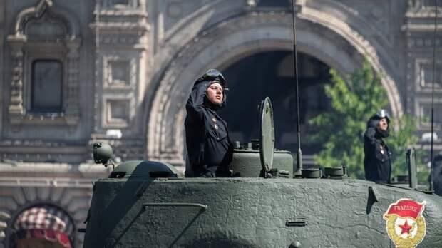 Их генералы не встанут на колени: Что увидели простые люди на Западе в параде Победы