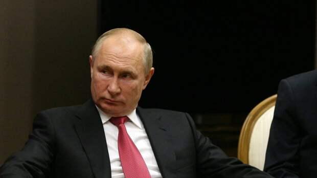 Путин рекомендовал предоставить россиянам два оплачиваемых выходных за прививку от коронавируса