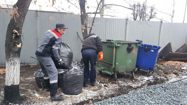 ВРостовской области с1июля тариф навывоз мусора резко вырастет для жителей СНТ