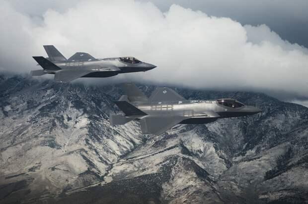 США кинули на деньги, вынудив Швейцарию  купить партию истребителей F-35А