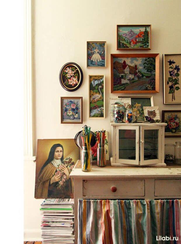 Украшение стен картинами с вышивкой фото