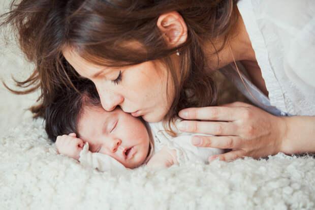 Как провести фотосессию с младенцем в Петергофе