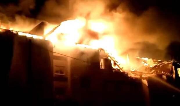 Минимум три человека получили серьёзные ранения при взрыве трехэтажного дома в Нижегородской области