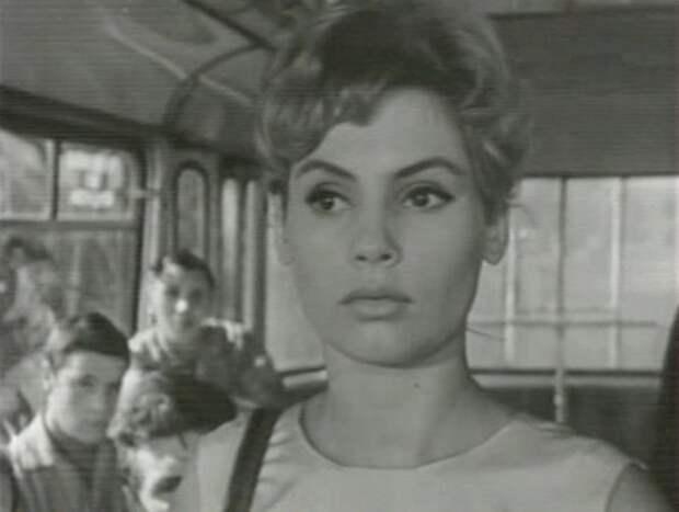 """Алла Будницкая в фильме """"Первый троллейбус"""" (1963)"""