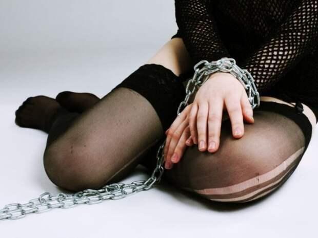 Житель Санкт-Петербурга задержан за попытку продать девушку в рабство в Египет