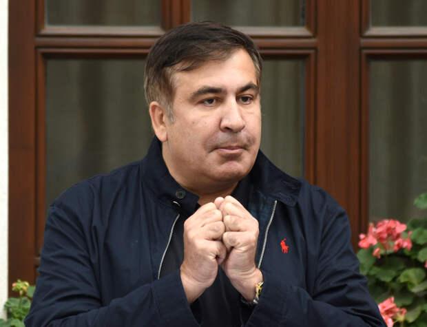 Саакашвили призывает людей к неповиновению властям