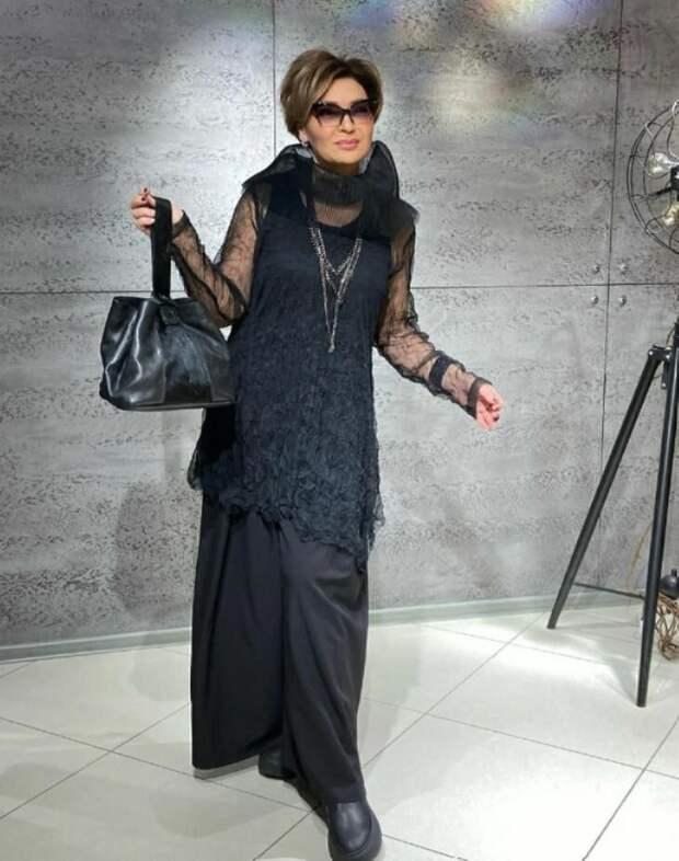 Стильный образ в черном цвете: его не нужно бояться даже в зрелом возрасте