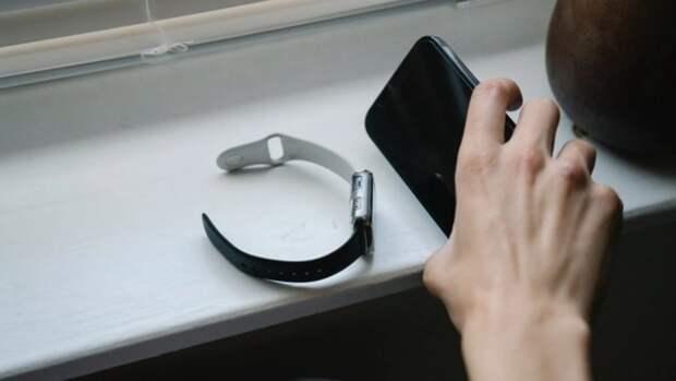 Врач Плиев рассказал о пользе смартфонов при лечении коронавируса