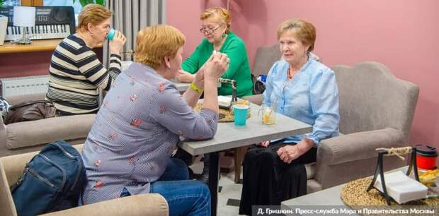 Москва гарантирует дополнительный доход пенсионерам в 2021 году. Фото: Д. Гришкин mos.ru