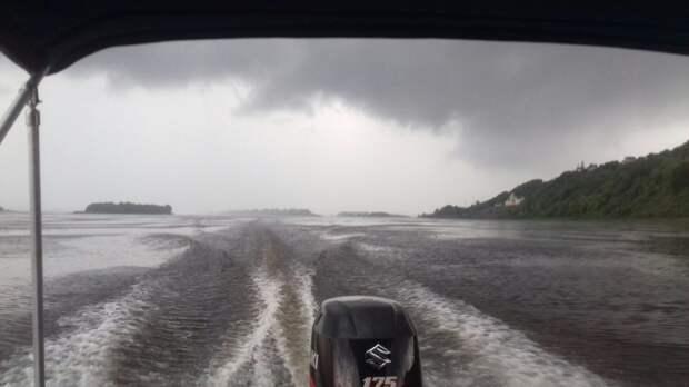 Непогода унесла у туристов палатку и лодку на Каме в Удмуртии