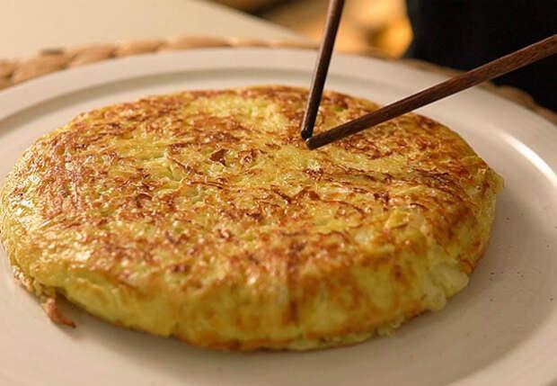 Делаем омлет как пирог: добавили 200 граммов капусты