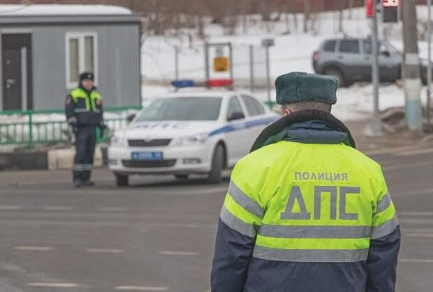 В Севастополе остановили пьяного водителя с двумя ворами в салоне