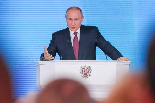 Марков о послании Путина Федеральному Собранию: Запад раздразнил русского медведя