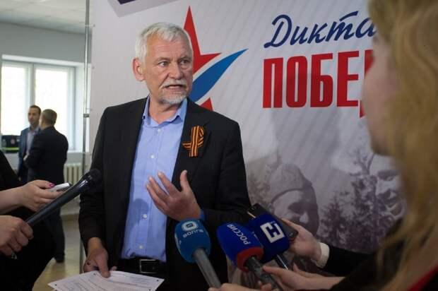 Вадим Булавинов потребовал предпринять все меры по скорейшему решению вопроса с отключением уличного освещения в поселке Гидроторф