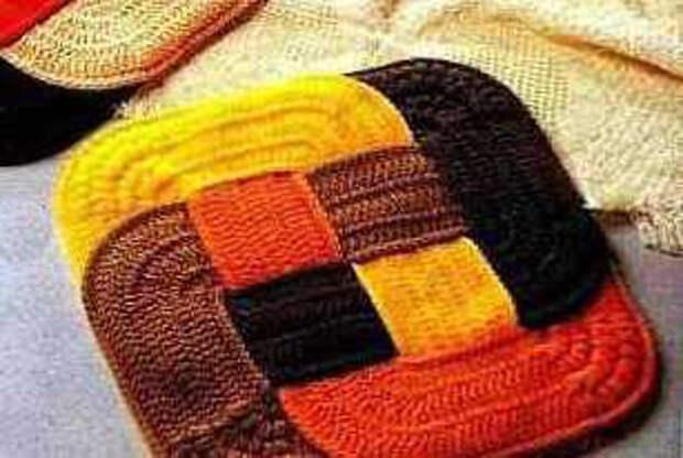 оригинальные вязаные коврики