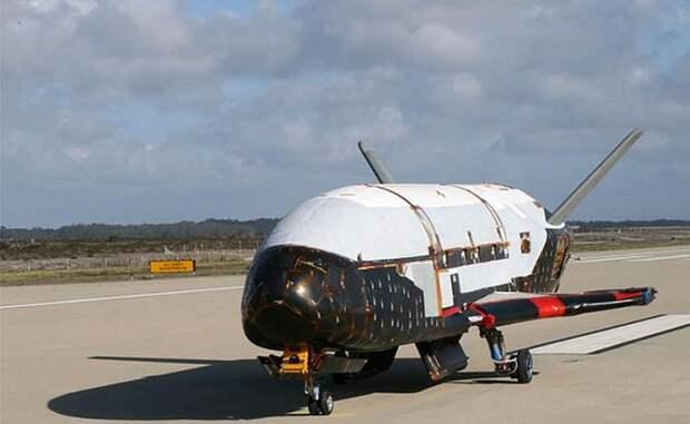 На фото: орбитальная испытательная машина X-37B