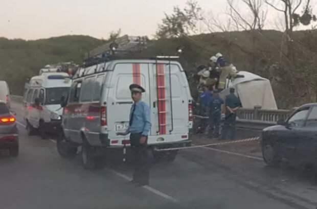 ДТП в Крыму: грузовик врезался в фуру (ФОТО, ВИДЕО)