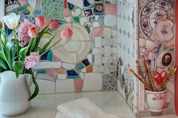 Кухонные фартуки с мозаикой из разбитых чашек и тарелок