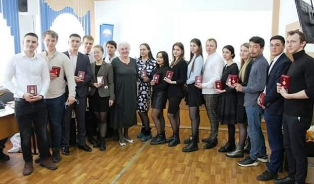 Студентов оренбургского медуниверситета наградили заработу в«красной зоне»