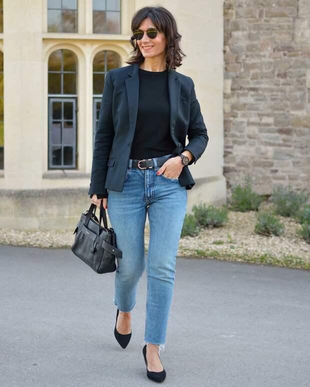 12 джинсовых образов для женщин 60+