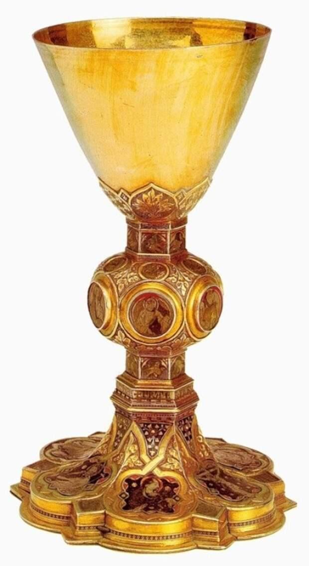 Готический потир, 14 век Потир Серебро, золото; позолота, чеканка, эмаль Капитул собора Святого Петра, Рим