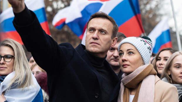 Эксперты рассказали, кто может стоять за отравлением Навального