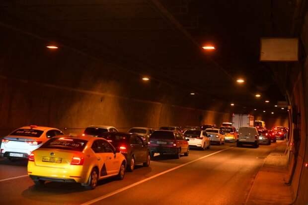 Скоро вместо ртутных ламп в тоннеле поставят светодиодные / Фото: Денис Афанасьев
