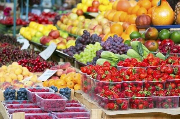 Депутаты предложили штрафовать магазины за продукты с нитратами