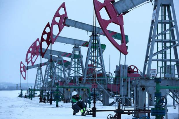 Добыча нефти в конденсата в России упала почти на 11%