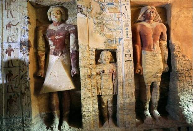 Жрецы считались очень важными персонами в древнем Египте, поскольку главной задачей общества было задобрить богов 4400 лет, Египт, в мире, гробница, наука, находка