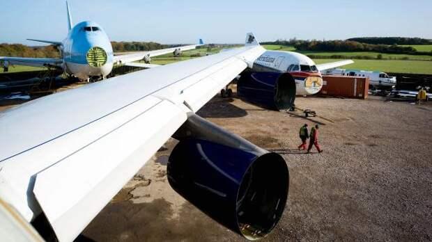 Парк приколов: в аэропортах Европы гниют сотни брошенных авиалайнеров