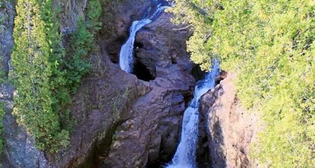 Тайна «Чайника дьявола»: куда исчезает вода в самом странном водопаде планеты