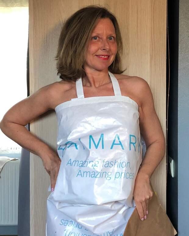 Карантинная одежка: пользовательницы Инстаграма делают платья из пакетов